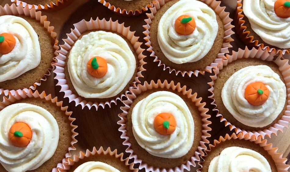 fall ginger pumpkin cupcakes
